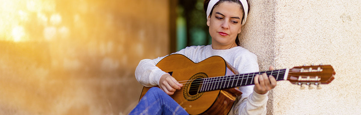 Trudne początki, czyli jak rozpocząćprzygodę z gitarą, aby nie zrezygnowaćpo trzech miesiącach