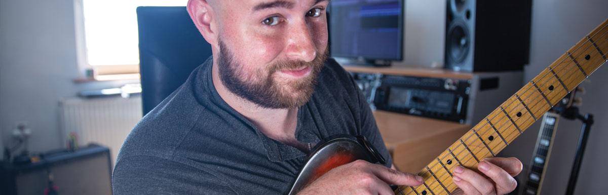 Trójdźwięki na gitarze – to naprawdę łatwe !